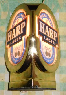 "Metalen - Kunststof Lichtreclame ""Harp Lager - Cooled Lager Brewed in Ireland"" / United Kingdom - 2e helft 20e eeuw"