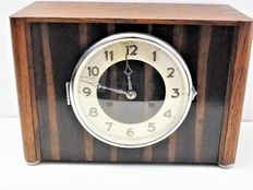 Mantel clock – period 1930