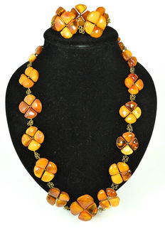 Antique Baltic Amber set of necklace and bracelet, old honey butterscotch egg yolk color
