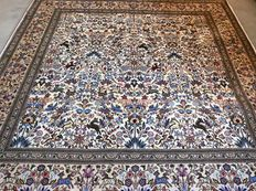 SPECIAL:  Superior Ghom Persian carpet – animal kingdom – 210 x 210 – collector's item