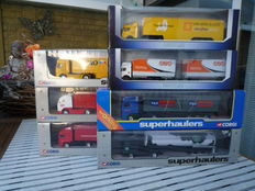 Corgi / Roadstars - Scale 1/64 - Lot with 7 models: 2 x Mercedes-Benz, 2 x Volvo, 1 x ERF, 1 x Daf & 1 x Renault
