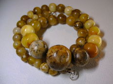 Beads of amber 100% Natural handmade.