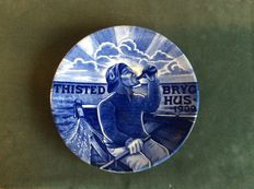 """Thisted Bryghus 1909"", Danish pottery plate."