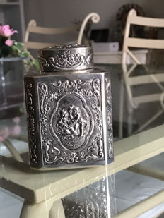 Tea box in silver from the 19th century