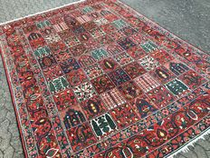 Antique Persian Bachtiar with field pattern (garden pattern) - oversize, almost 12 square meters approx. 377 x 291 cm