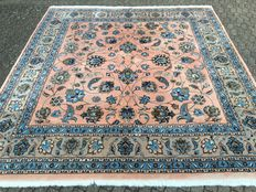 Extraordinary Persian ESFAHAN - approx. 322 x 302cm - the condition is VERY GOOD!