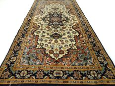 """Kashmir – 130 x 64 cm. – """"Carpet in natural shades – Beautiful condition"""" – Please note! no reserve: starts at €1,-"""