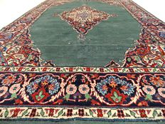 "Tabriz – 198 x 126 cm – ""Eye-catcher – Persian rug in beautiful condition"" – Please note! No reserve, starts at €1"