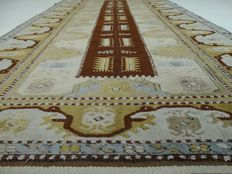 "Milas - 213 x 114 cm. - ""Eyecatcher - Persian carpet in good condition"" - Note: no reserve price: starts at €1.-"
