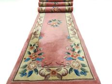 Chinese - 367 x 71 cm - ¨Long hall rug in pink - In good condition¨