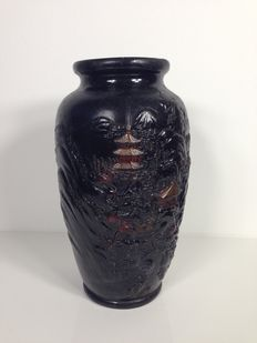 Large Tokanabe Black Chalkware vase with temple decoration - Japan - early 1900s