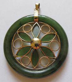Large jade pendant with leaf decoration - openworked