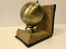 Literary earth globe