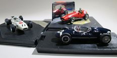 Quartzo / Brumm - Scale 1:43 - Lot of 3 models: Ferrari 625 Mike Hawthorn (1954), Cooper T51 Stirling Moss (1959) and Honda RA272E Richie Ginther