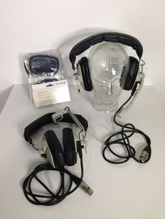 Lot of: 2 Beyerdynamic DT109 2x400 Live performance headphones with XLR cable, new cushions plus 3 ASL IS111 Beltpacks