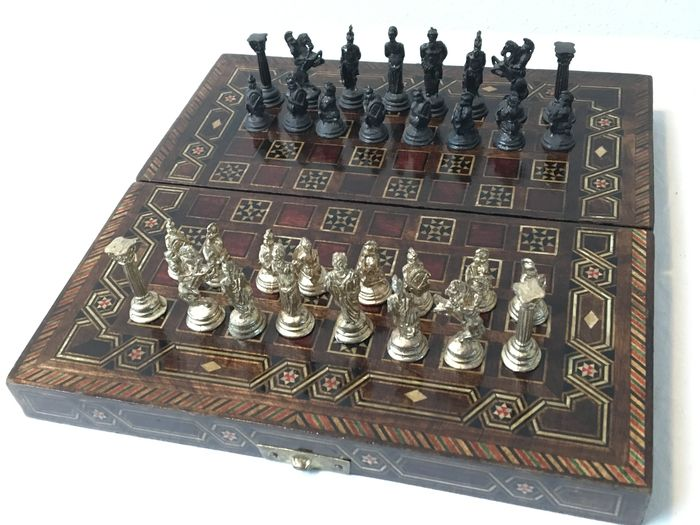 Beautiful Collapsible Chess Set With Greek Gods