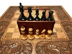 Jaques Staunton & Son's chess set with original label in the box