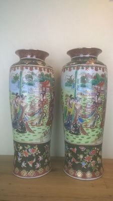 Large vases – China – late 20th century