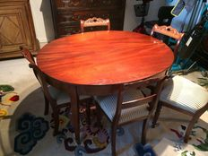 Mahogany extandable table for 6 to 8 people - England - around 1880
