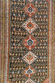 135 YEARS OLD GASHGAÏ CARPET.