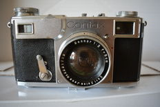 Zeiss Ikon Contax II from approx. 1938 with 3 lenses, 1 lens, 2 baffle rings, 2 viewfinder attachments (1 defect!), 1 distance meter and 1 flash unit (without lamp)