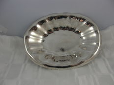 Georg Nilsson for Gero - silver plated hammered Art Deco bread dish on 4 edited feet
