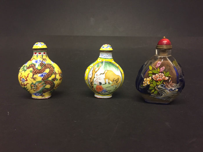 Different style snuff bottles - China - begin 20th century