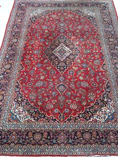 """Superb """"signed"""" Persian rug - Kashan - made in late 20th  century - 274 x 382 cm - from €1"""