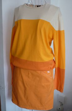 Burberry orange set (blouse and skirt)