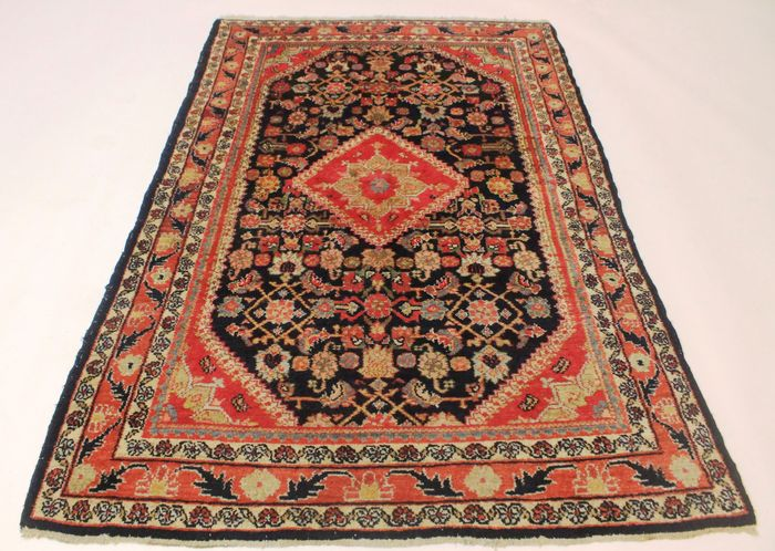 ancien tapis persan style art nouveau tapis sarough de lilian 135 x 205 cm fabriqu en iran. Black Bedroom Furniture Sets. Home Design Ideas