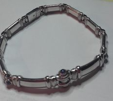 18 karat 24 grams white gold bracelet with sapphire