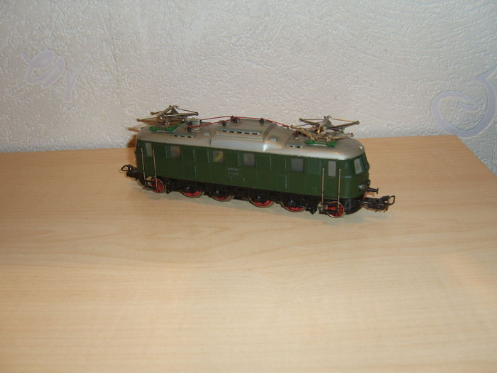 Märklin H0 - 3024 - heavy Eloc E 18 of DB, green, construction of cast iron