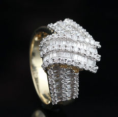 14kt gold diamond ring total approx . 2.01 ct