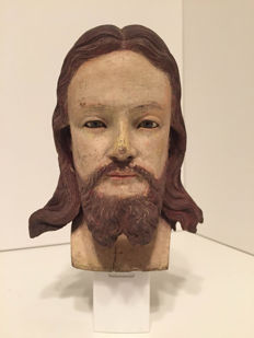 Carved wooden head of Jesus. Exceptional quality - Late 18th early 19th C