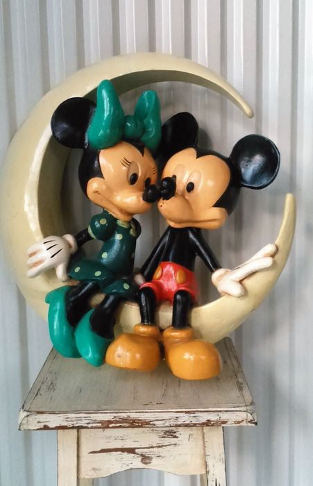 Superb original old mickey minnie mouse balancing in love on the moon verliefd balancerend - Mickey minnie amoureux ...