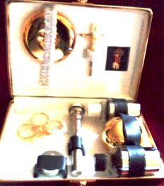 Catholic Worship - accessories for administering the last rites - probably around 1950 - very good condition (like new)