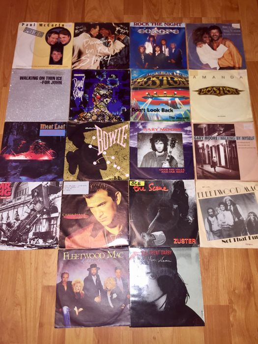 Nice Rock Lot Of 30 Singles: David Bowie 3x,Queen,Chris Isaak,Fleetwood Mac,Wings,Vaughan Brothers,Gary Moore,Eric Clapton and many more!