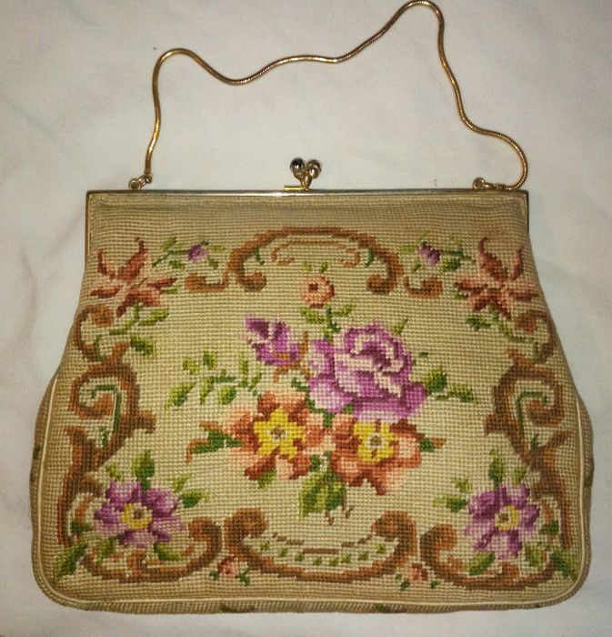 Lot Of 2 Liberty Handbags In Hand Embroidered Fabric Early 1900s