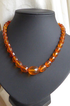 "Antique necklace made of faceted cut amber olives, ""Königsberger Schliff"" (Königsberg cut)"