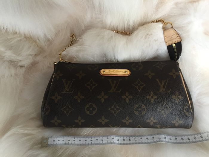 ffb8a973e14 Louis Vuitton Eva – Shoulder bag   Clutch - Catawiki