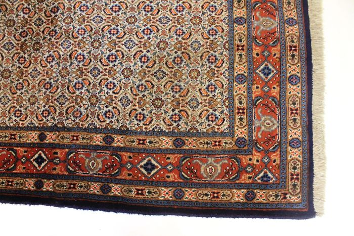 Regal Hand Woven Moud Persian Rug 105x150 Cm Made In Iran Around