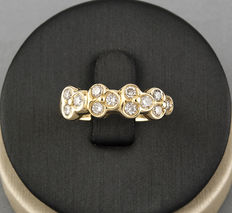 18 kt gold – ring – diamond: 0.60 ct – inner diameter: 17.95 mm (approx.)