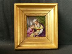 Vienna - Finely painted porcelain plaque, in dorure frame - 20th century