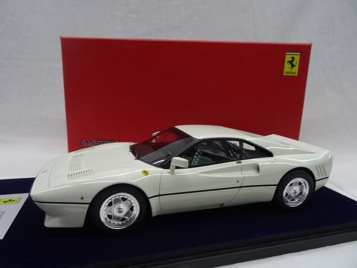 Looksmart - Scale 1/18 - Ferrari 288 GTO Coupe 1984 - Colour White