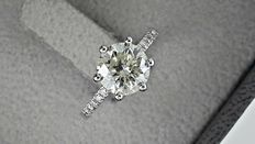 1.86 ct round diamond engagement ring in 14 kt white gold