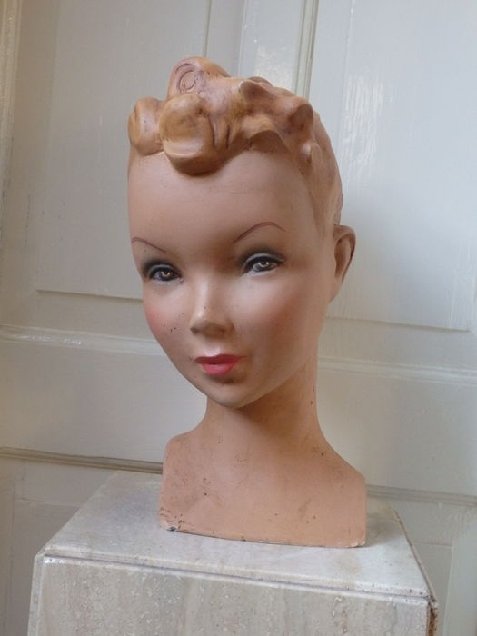 Life-size window display bust of a girl