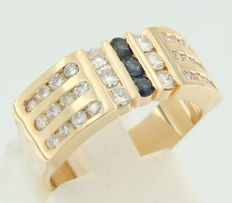 18 kt yellow gold ring set with brilliant cut sapphire and diamond