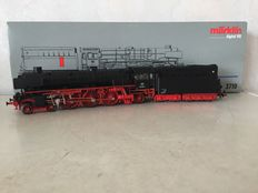 Märklin H0 - 3710 - Steam locomotive with bucket tender BR 012 of the DB.