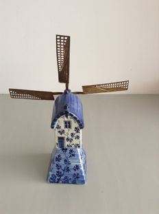 Porceleyne Fles - Windmill Delft earthenware
