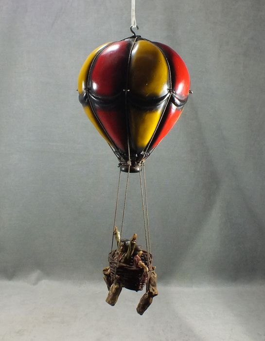 Best Hot air balloon - vintage - for hanging -resin and wicker - Catawiki LJ04